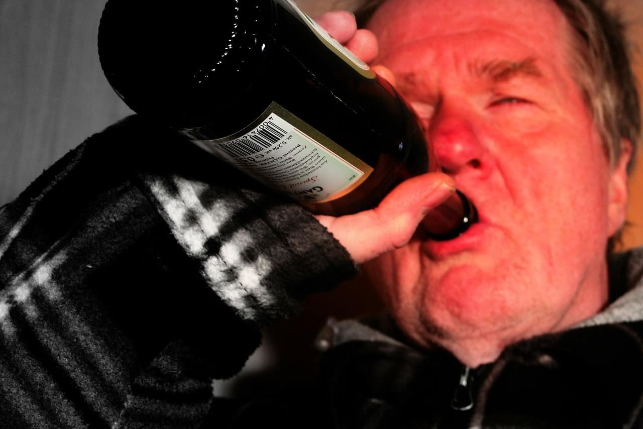 gallstone attack symptoms from alcohol